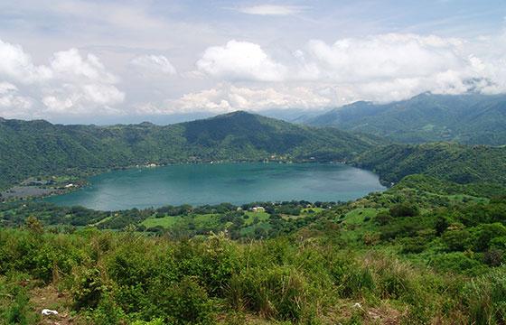 Laguna Santa María del Oro