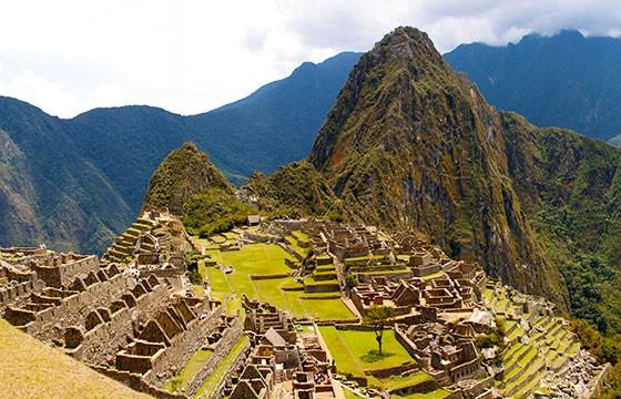 Vista de las ruinas de la ciudad de Machu Picchu Perú