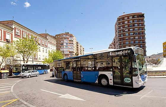 Conocer las rutas. Tips para viajar en transporte público en el extranjero.