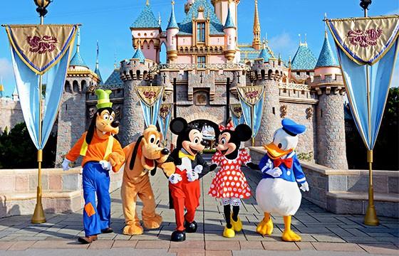 Disneyland, Estados Unidos. Dime tu edad y te diré donde viajar.