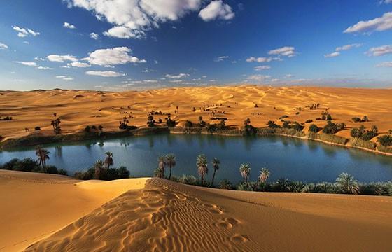Dunas en Libia. 12 destinos que no cumplen las expectativas.