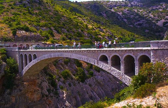 Vista de uno de los llamados Puentes del Diablo