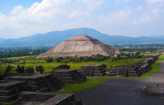 La Pirámide de Teotihuacán, México. Lugares que dan suerte.