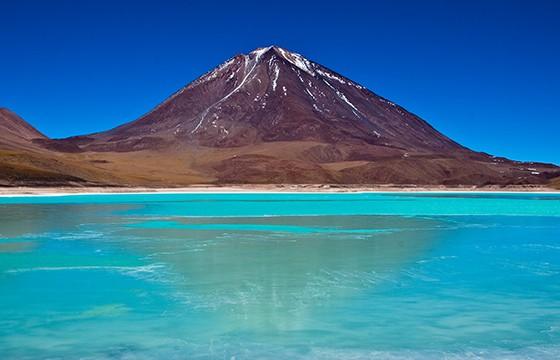 Laguna verde de Potosí, Bolivia. 12 destinos que no cumplen las expectativas.