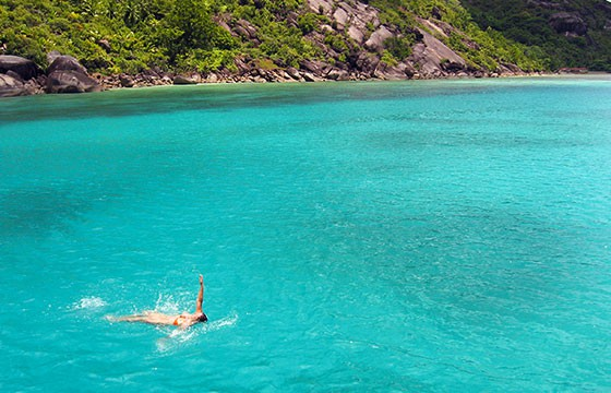 Nadar. Deportes de vacaciones.