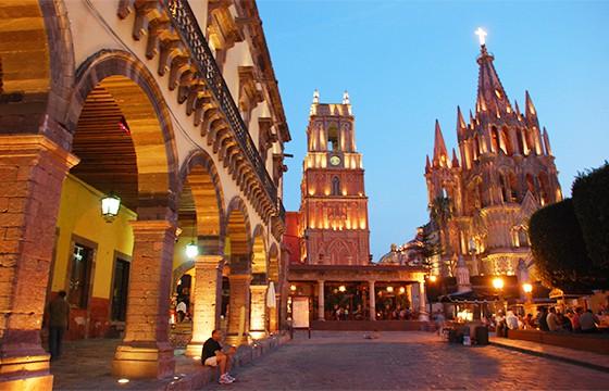 San Miguel de Allende, Guanajuato. Dime tu edad y te diré donde viajar.