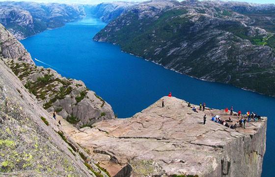 Vista del mirador Preikestolen Noruega