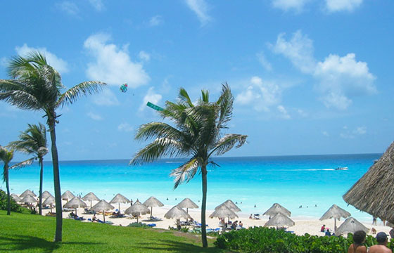 Cancun's White Sand and Turquoise Water-Kyle Simourd-Flickr