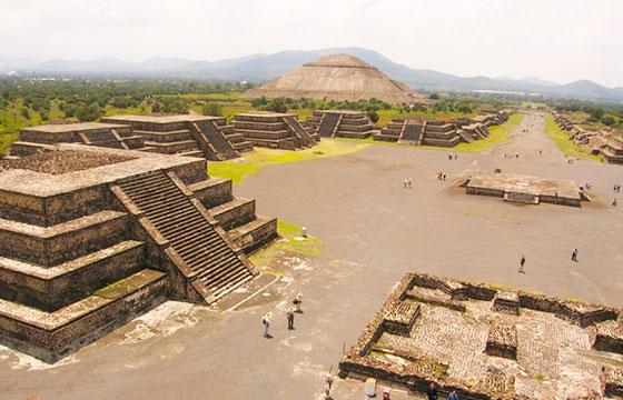 Teotihuacan-Editada-Darren and Brad-http://bit.ly/1MkzVBO-Flickr