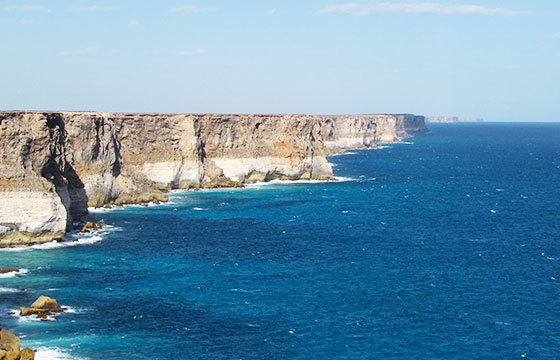 Bunda Cliffs 2-eileenmak-Flickr
