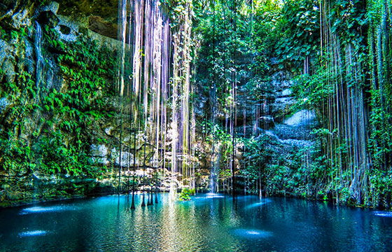 Cenote-Ik-Kil-Mexico-Late-afternoon-view-Editada-KoiQuestion-http://bit.ly/1SBdwIq-Flickr