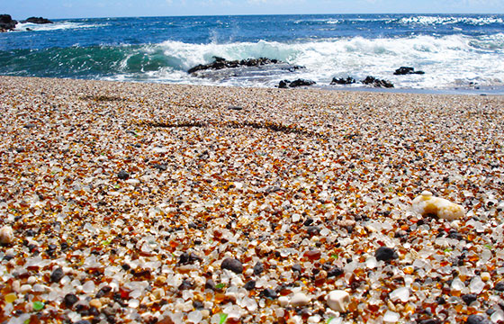 glass beach-Editada-Eric Lin-http://bit.ly/1M6Kg9O-Flickr