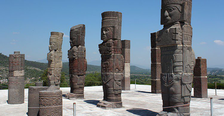 Tula, Pyramid B, atlantes-Arian Zwegers-Flickr