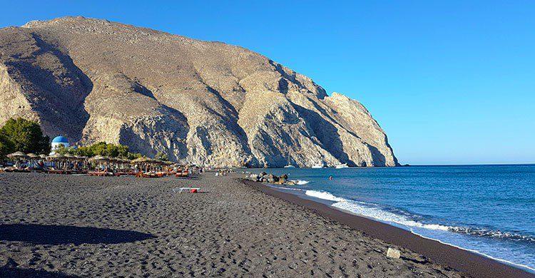 Perissa beach-Kostas Limitsios-Flickr