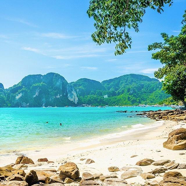Feliz lunes viajers! Nuestro lugar favorito de hoy es islasturcasycaicoshellip